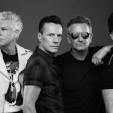 U2 Love is All We Have Left: 4 irlandeses en la Luna