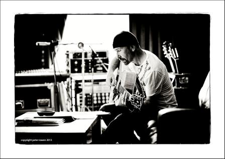 The Edge fotografiado por Peter Rowen