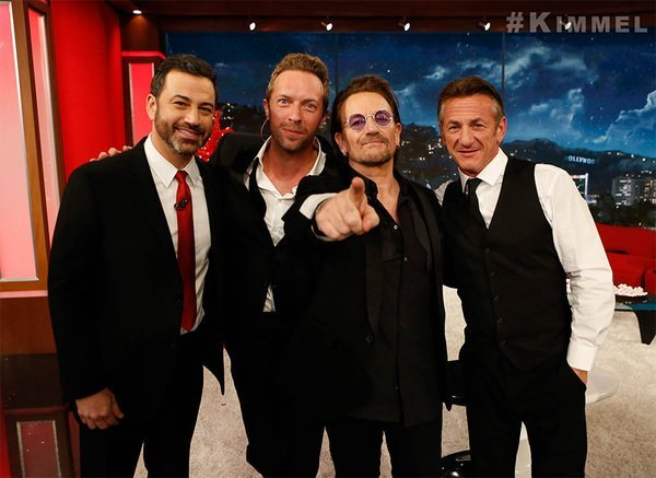 Jimmy Kimmel, Chris Martin, Bono y Sean Penn